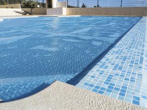 Плавающие покрывала для бассейна защитное пузырьковое покрытие