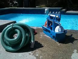 Каким бывает оборудование для бассейнов, пылесосы